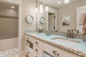 Pervenche Lane - South Jordan Interior Bathroom 2