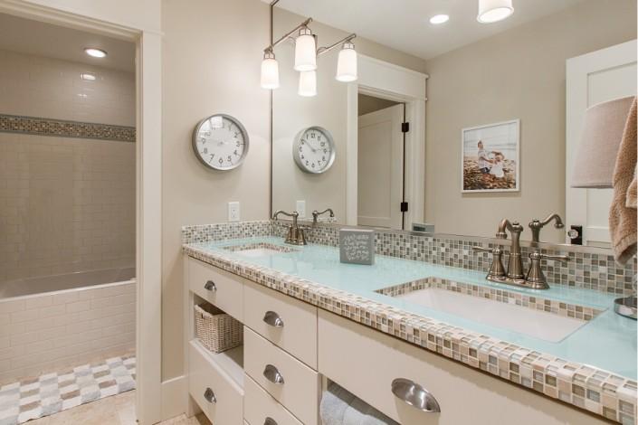 Pervenche Lane - South Jordan Interior Bathroom 2