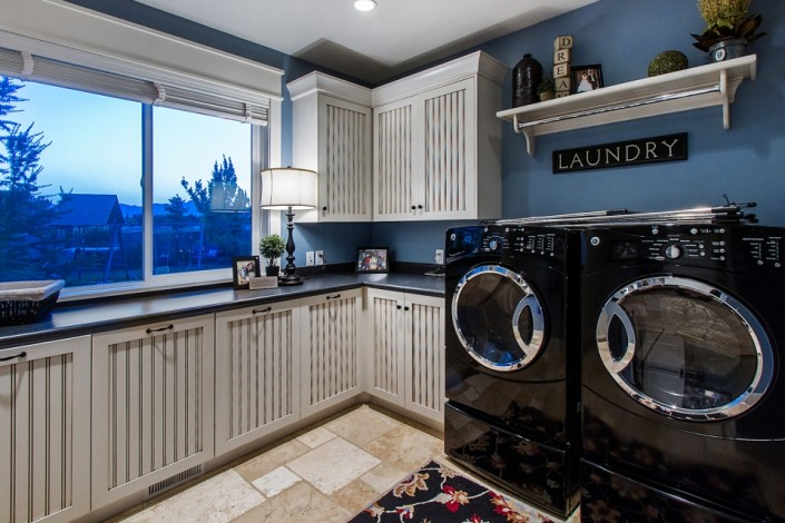 Pervenche Lane - South Jordan Interior Laundry Room