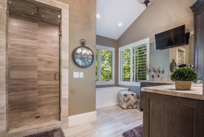 Polo Club Court - South Jordan Custom Home Interior Bathroom walkin shower with bathing tub