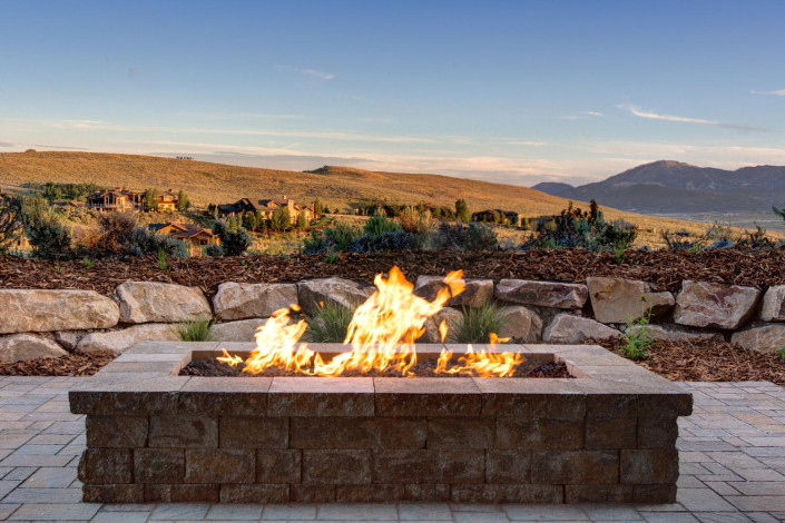Promontory Rambler Exterior Fire Pit
