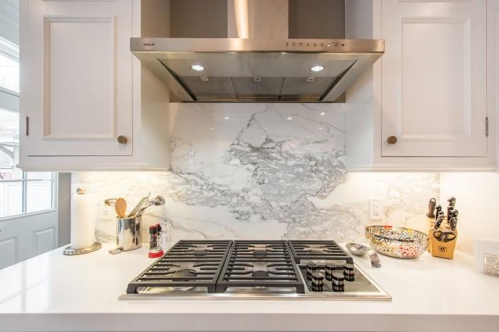 The Avenues - Salt Lake Custom Homes Interior Kitchen cook top