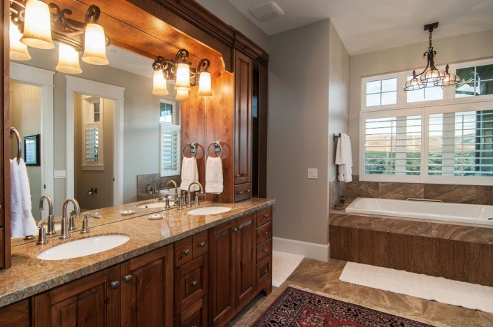 Valley Views - Midway Interior Master Bath