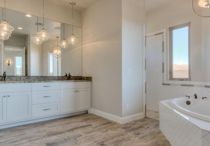 Washington Vistas - St. George Custom Homes Interior bathroom with bathing tub