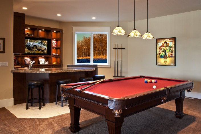 Steeple Chase Basement Wet Bar